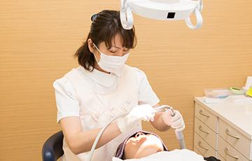 歯を支える歯周組織の治療