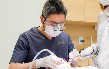 口腔外科出身の院長による治療